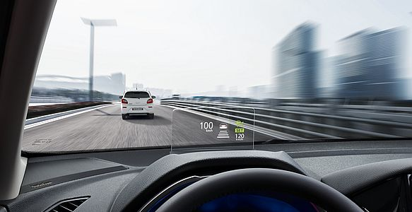 Projekčný displej HUD (Head-Up Display)